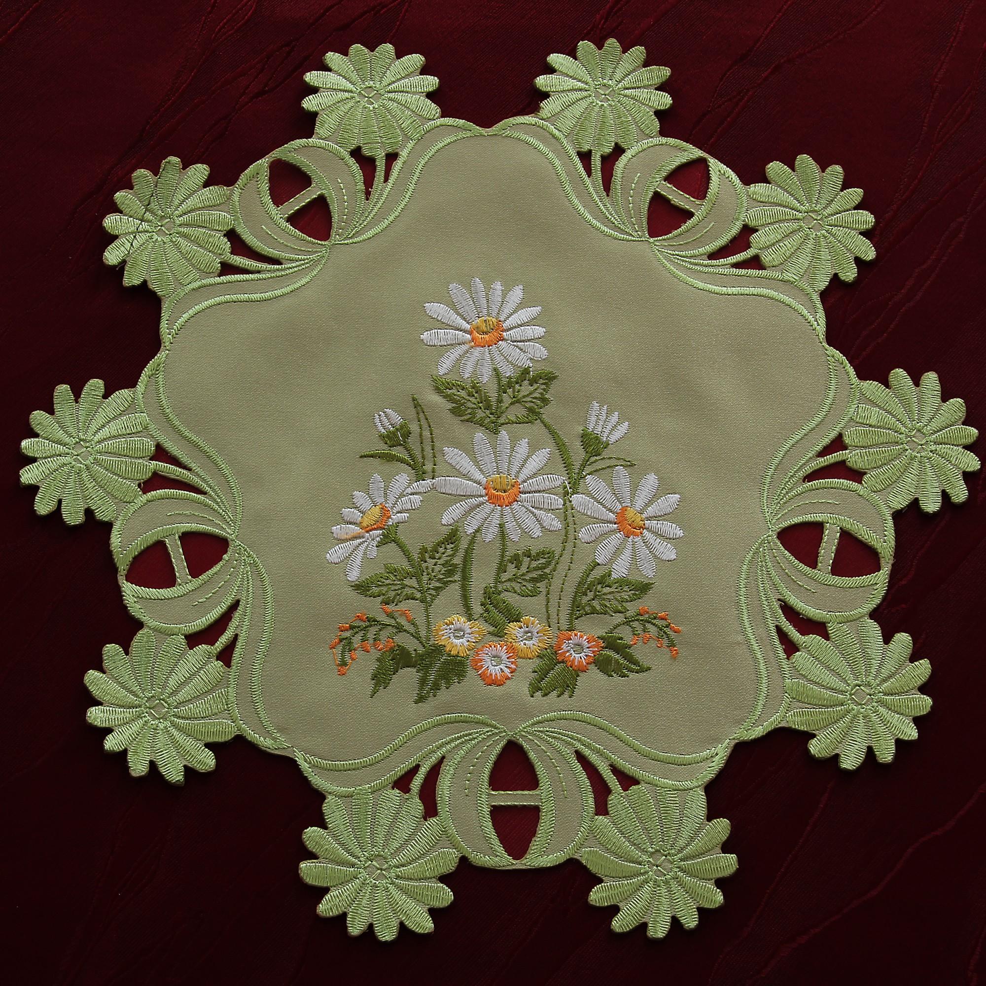 Green Table Runner Tablecloth Doily White Marguerite Daisy