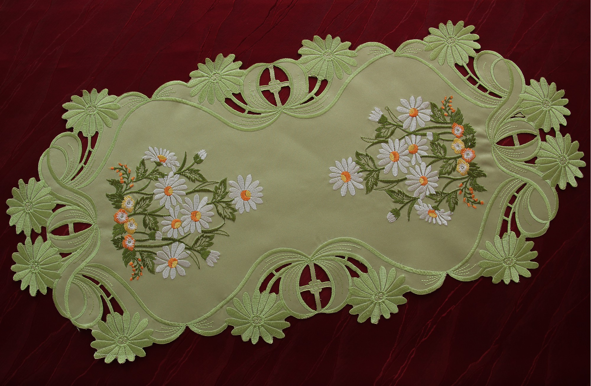 Green table runner tablecloth doily white marguerite daisy flower green table runner tablecloth doily white marguerite daisy izmirmasajfo